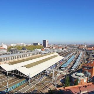 Décor tournage : la gare SNCF Toulouse - Matabiau