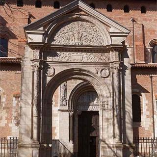 Décor pour votre tournage : la basilique Saint-Sernin, porte Miègeville