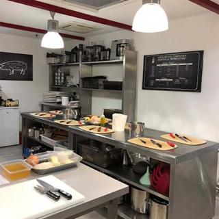 Décor pour votre tournage : atelier de cuisine l'Atelier des Chefs