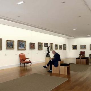 Décor pour votre tournage : salle avec tableaux à la fondation Bemberg
