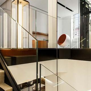Décor pour votre tournage : escalier Art Deco