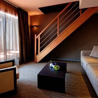 Décor pour votre tournage : studio appart-hotel