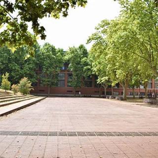 Décor pour votre tournage : le jardin Niel à Toulouse