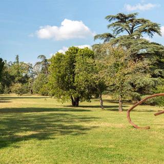 Décor pour votre tournage : parc du Domaine de Montjoie