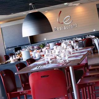 Décor pour votre tournage : restaurant de l'hôtel Campanile Cité de l'espace