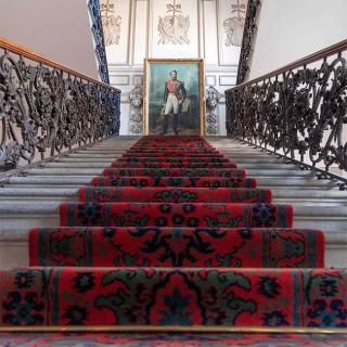 Décor pour votre tournage : escalier d'honneur du Palais Niel
