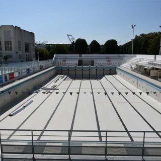 Décor pour votre tournage : complexe sportif, piscine