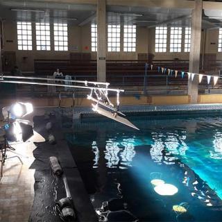 Décor pour votre tournage : piscine bassin intérieur