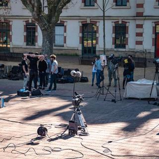 Exemple de tournage devant la Maison des Associations
