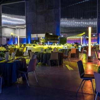 Décor pour votre tournage : grand diner de gala au MEETT