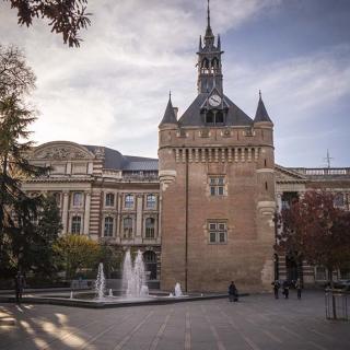 Décor pour votre tournage : le Donjon du Capitole à Toulouse