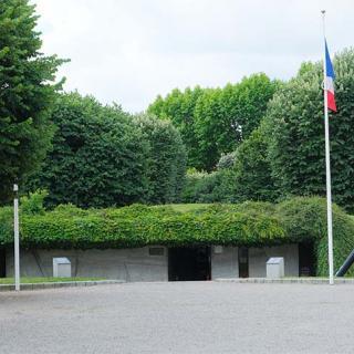 Décor pour votre tournage : monument à la Gloire de la Résistance