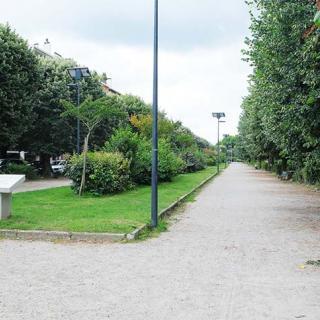 Décor pour votre tournage : esplanade des Allées Frédéric Mistral