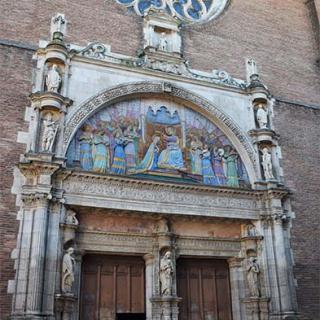Décor pour votre tournage : le tympan de l'église de la Dalbade à Toulouse