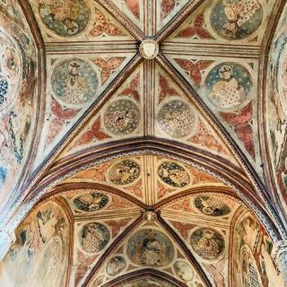 Décor pour votre tournage : les fresques au couvent des Jacobins