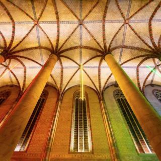Décor pour votre tournage : la nef de l'église du couvent des Jacobins