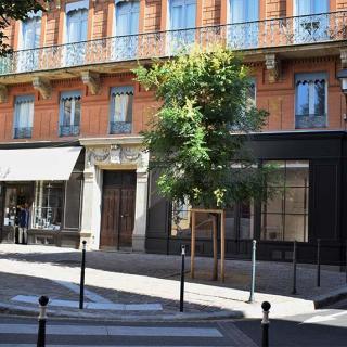 Décor pour votre tournage : la place Mage à Toulouse