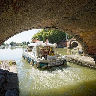 Décor pour votre tournage : les Ponts Jumeaux, les canaux à Toulouse