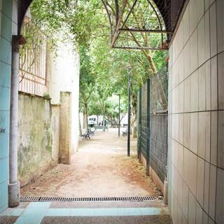 Décor pour votre tournage : le petit jardin d'Embarthe, un jardin caché