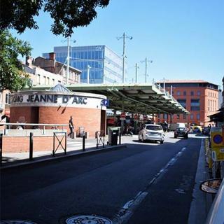 Décor pour votre tournage : la place Jeanne d'Arc à Toulouse