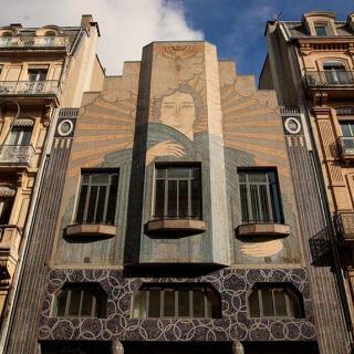 Décor pour votre tournage : façace Art Déco rue d'Alsace-Lorraine à Toulouse