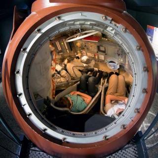 Décor pour votre tournage : le vaisseau Soyouz à la Cité de l'espace