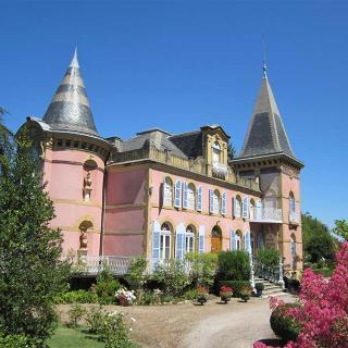 Décor pour votre tournage : le petit château du Val Rose