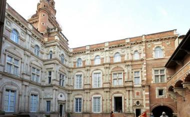 Décor pour votre tournage : l'hôtel d'Assézat, un hôtel particulier Renaissance