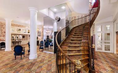 Décor pour votre tournage : le hall d'entrée du Grand Hôtel de l'Opéra
