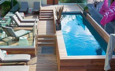 Décor pour votre tournage : Couloir de nage et terrasse Hotel Mercure