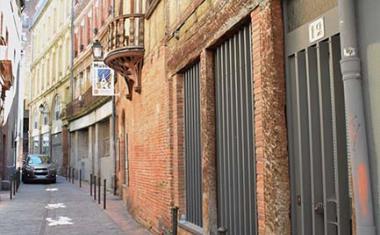 Décor pour votre tournage : la rue Saint-Rome à Toulouse