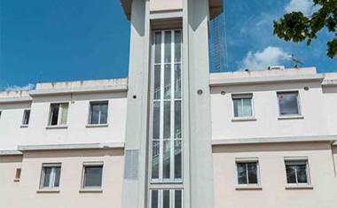 Décor pour votre tournage : la tour de contrôle de l'aérodrome de Francazal